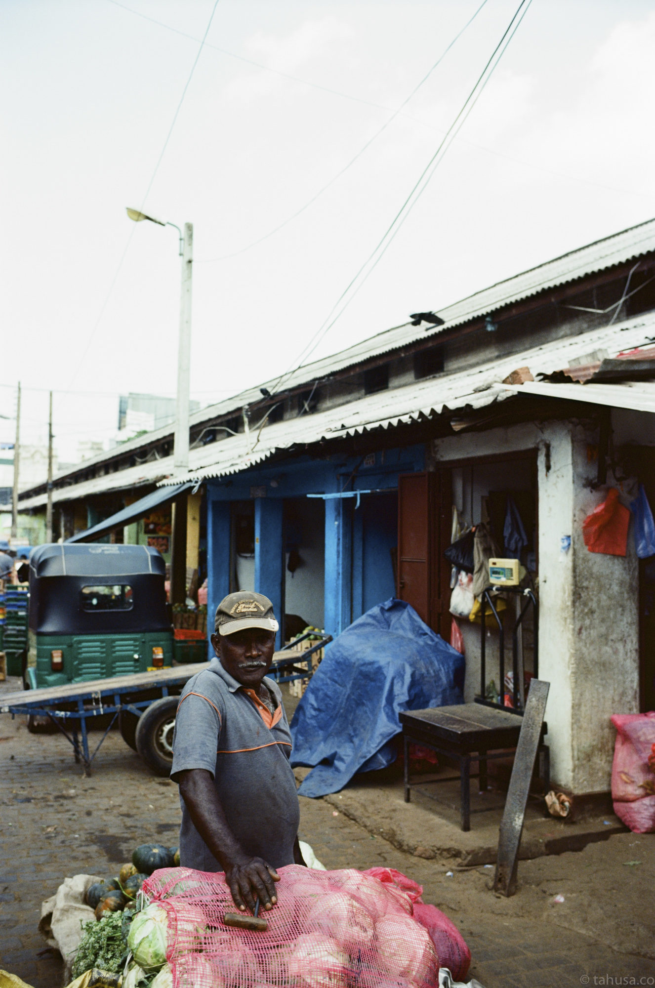 Pettah-market-daily-in-colombo-sri-lanka-travel-photography-using-ektar-100-kodak-and-summilux-35mm-f1.4-asph-fle-leica-film