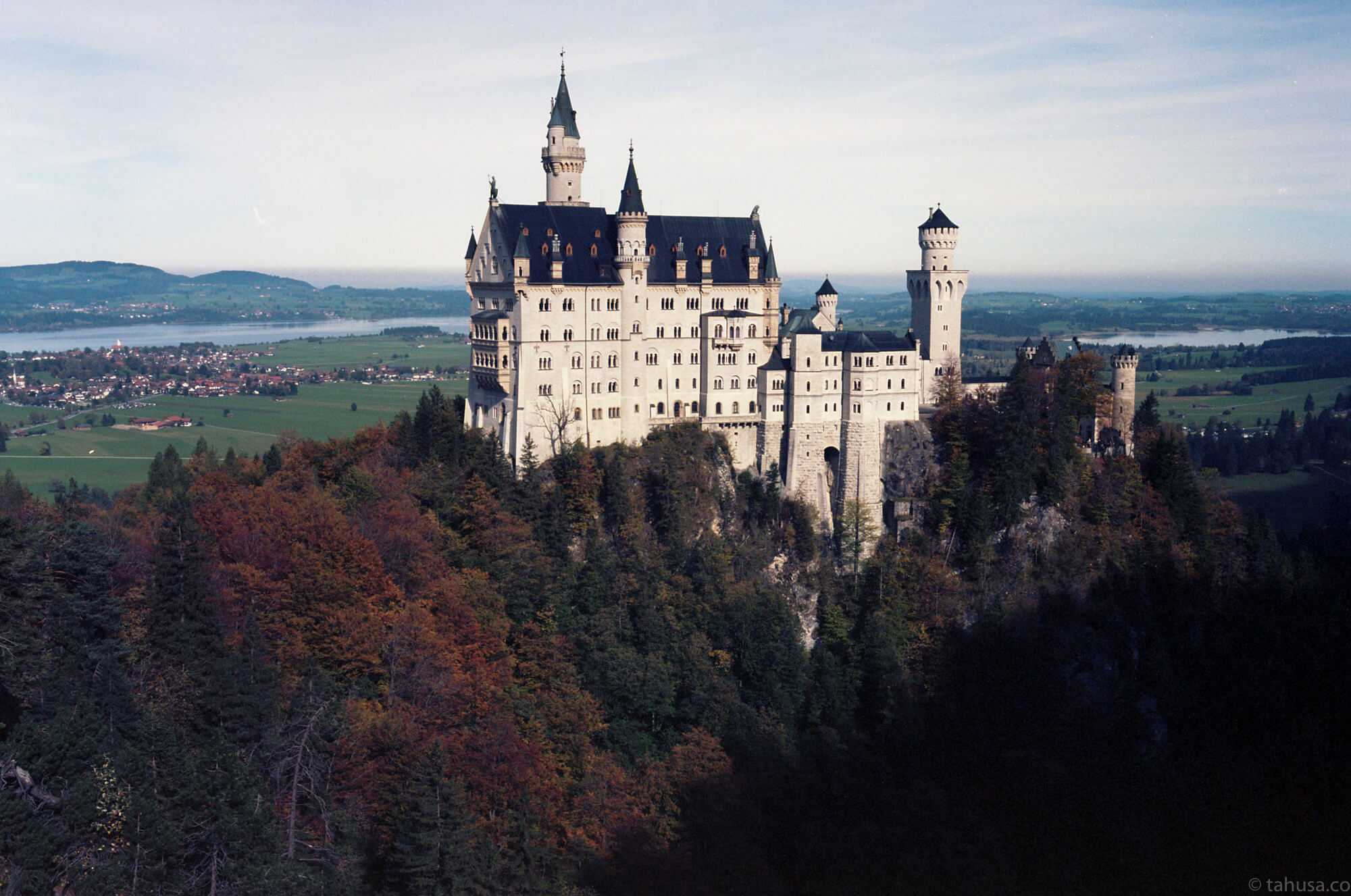 visiting-Neuschwanstein-Castle-füssen-Germany-travel-photography-using-ektar-100-kodak-and-summicron-35mm-f2-8elements-v1-leica-film