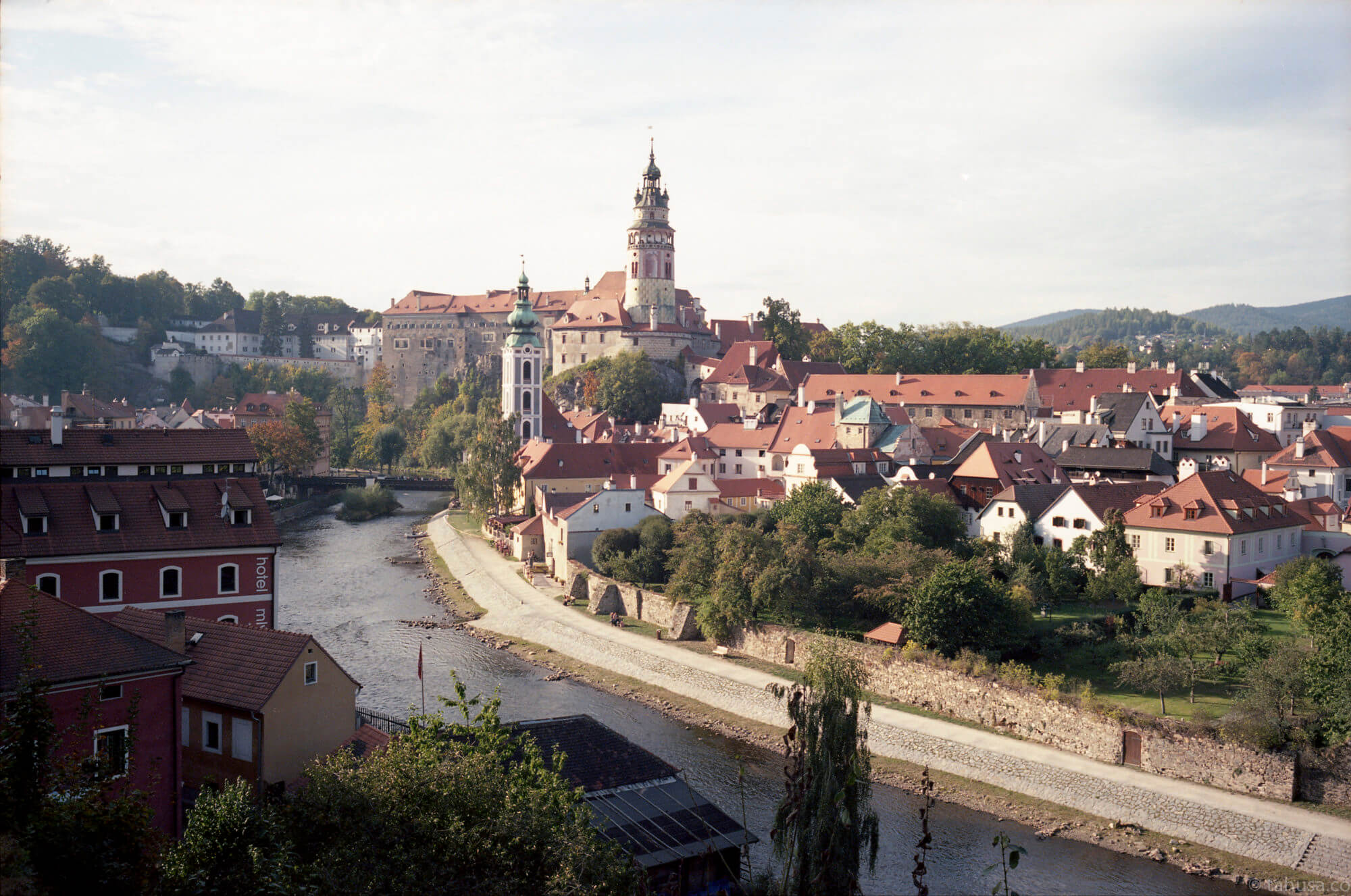 cesky-krumolv-small-town-in-czech-republic-word-most-beautiful-town-travel-photography-using-ektar-100-kodak-and-summicron-35mm-f2-8elements-v1-leica-film