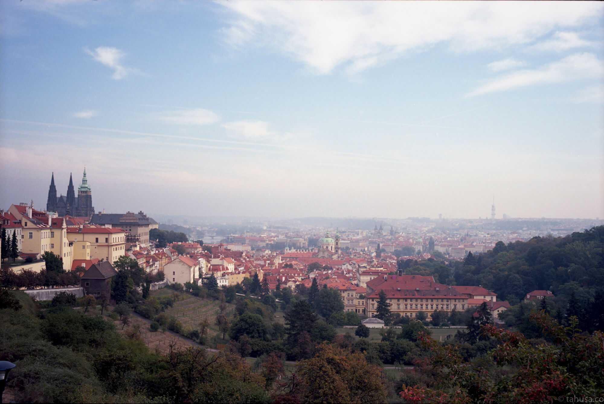 top-view-in-prague-czech-republic-travel-photography-using-ektar-100-kodak-and-summicron-35mm-f2-8elements-v1-leica-film