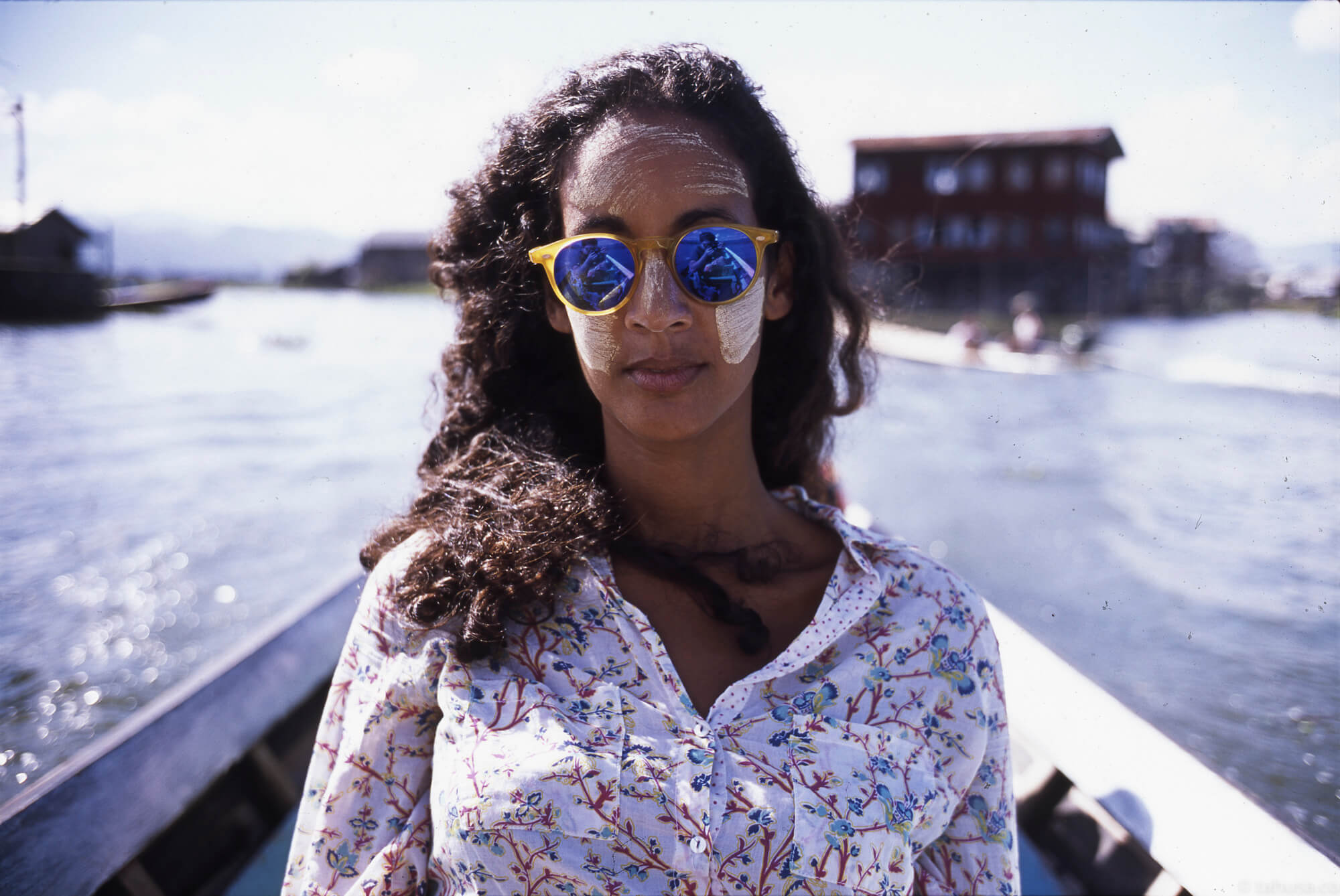 ophelia-portrait-reflection-from-sunglasses-in-inle-lake-myanmar-shan-state-boat-trip-south-east-asia-Asian-fuji-fujifilm-provia-100f-RDPIII-RDP-slide-135-positive-summicron-35mm-f2-v1-8elements-8ele-leica-m2-backpacking-burma-hostel-friends