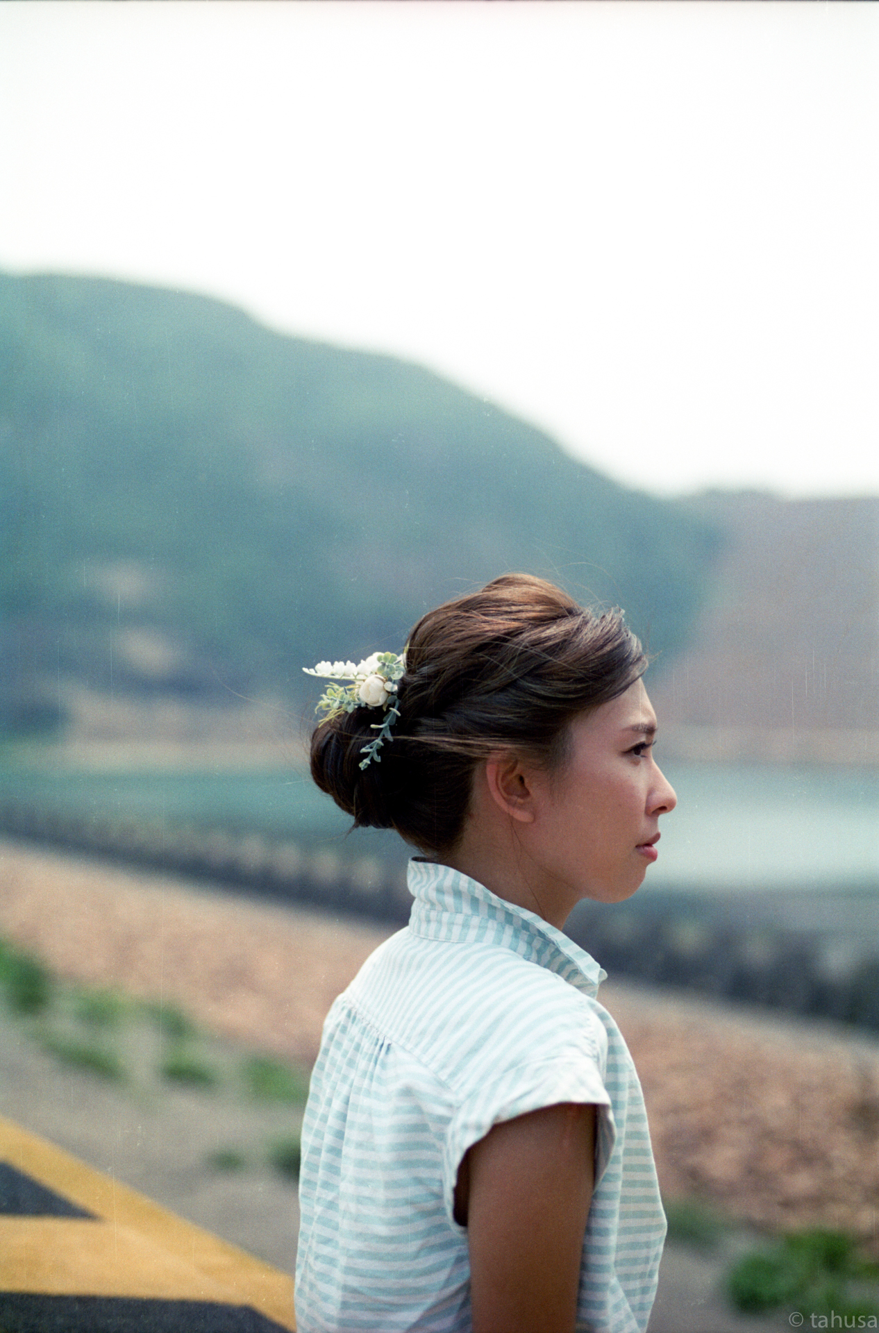 Laam-denise-prewedding-pre-wedding-hongkong-hk-hong-kong-cinestill-cinestill50-cinestill50D-iso200-pushed-hot-weather-east-dam-water-portrait-Nikon-f100-film-camera-50mm-f1.4D-1.4