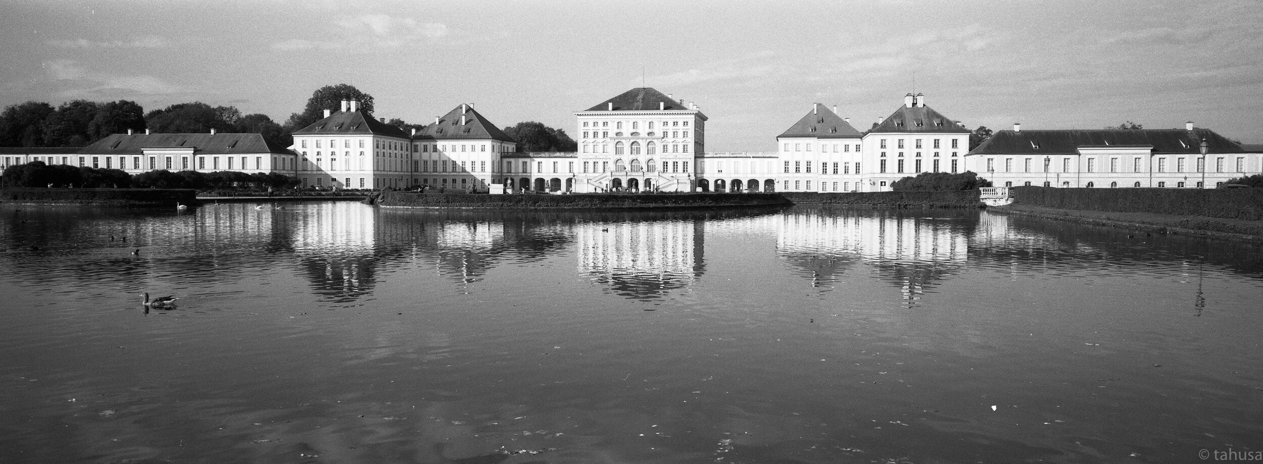 Xpan-Pano-45mm-f4-Sightseeing-Nymphenburg-Palace-Munich-GermanyPanoramic picture-pano-hasselblad-Medium-format-Black-and-white-BW-B&W-film-analog-snap-snapshot-Kentmere-400-iso400-ilford-Epson-V700-scanner