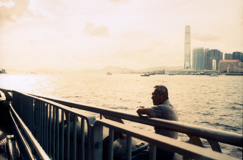 Candid-shots-people-fishing-in-Wan-Chai-waterfront-Leica-Summicron-35mm-f2-IV-Pre-asph-Rollei-Vario-Chrome-320-Film-Review-Photo-walk-in-Hong-Kong