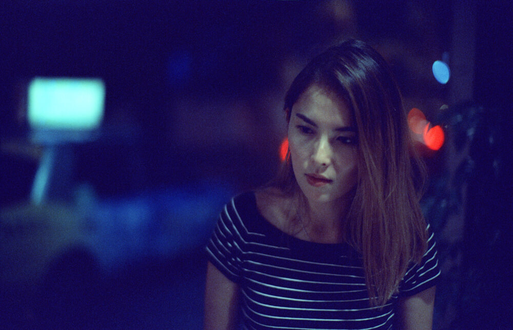 Fay-happy paradise-Hong Kong-LKF-Lan Kwai Fong-Dinner Time-Meet up-CineStill 800T-Tungsten-Noctilux-50mm-Leica-Night-Neon light-HK-Portrait 2