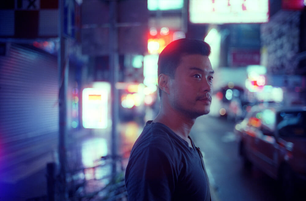 Mong-kok-Gary-Portrait-Hong-Kong-Night-Tide-Photo-walk-Night-Street-Snap-CineStill-800T-Tungsten-Leica-Summilux-11663-35mm-pushed-ISO2400-Motion-picture-Colour-Movie-Feel