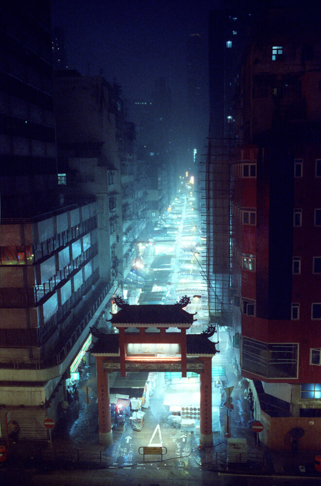 Scenic-Raining-Top-view-Temple-Street-Hong-Kong-Night-Tide-Photo-walk-Night-Street-Snap-CineStill-800T-Tungsten-Leica-Summilux-11663-35mm-pushed-ISO2400-Motion-picture-Colour-Movie-Feel2