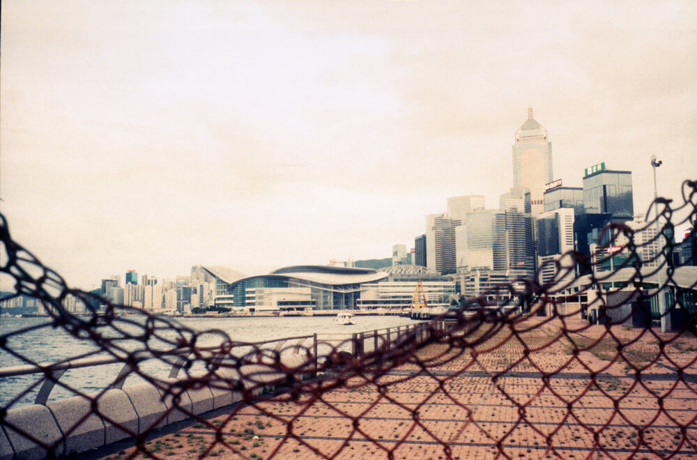 Standard-scenic-view-of-Hong-Kong-skyscrapers-Leica-Summicron-35mm-f2-IV-Pre-asph-Rollei-Vario-Chrome-320-Film-review-Photo-walk-in-Hong-Kong