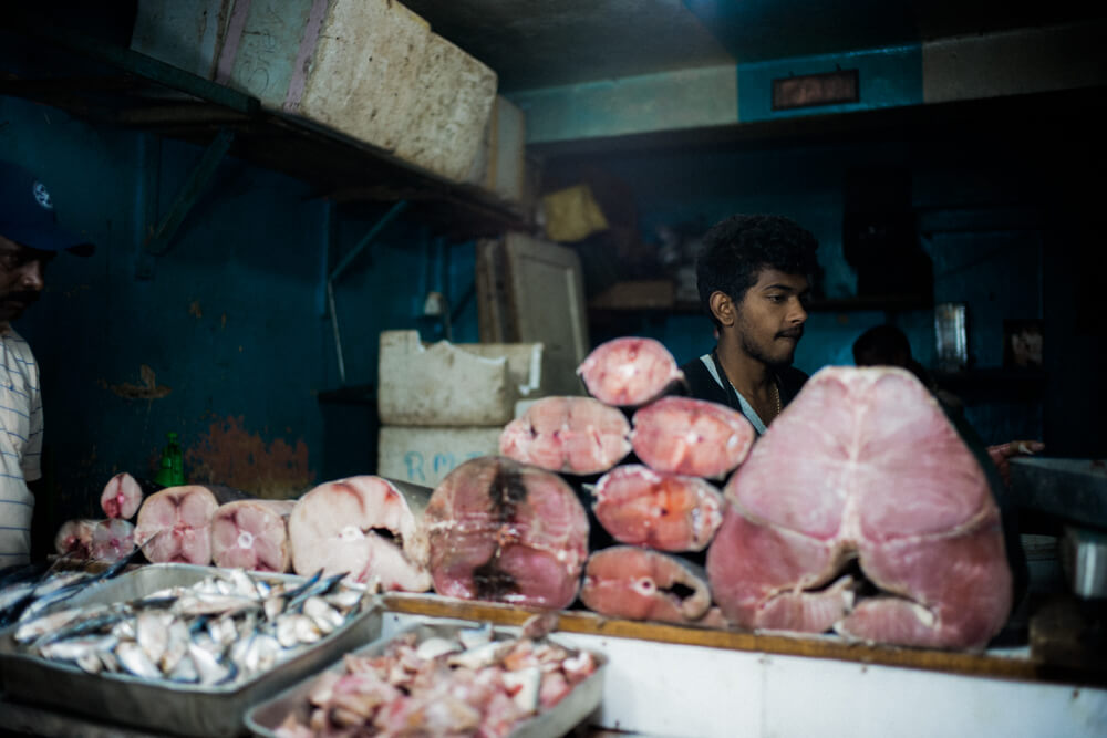 local-market-no-photograph-street-snap-fish-selling-meat-sri-lanka-nuwara-eliya