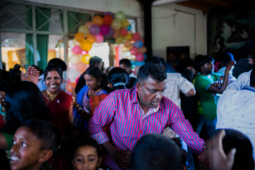 people-playing-around-dancing-in-party-house-nuwara-eliya