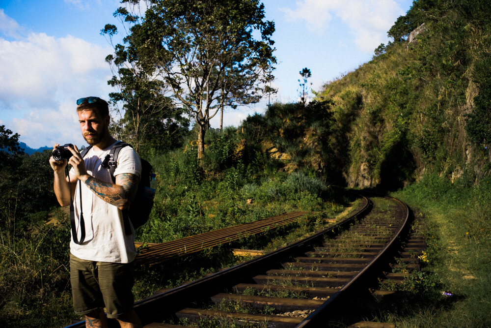 steve-new-met-backpacker-spent-day-together-walking-train-track-rail-ella-sri-lanka