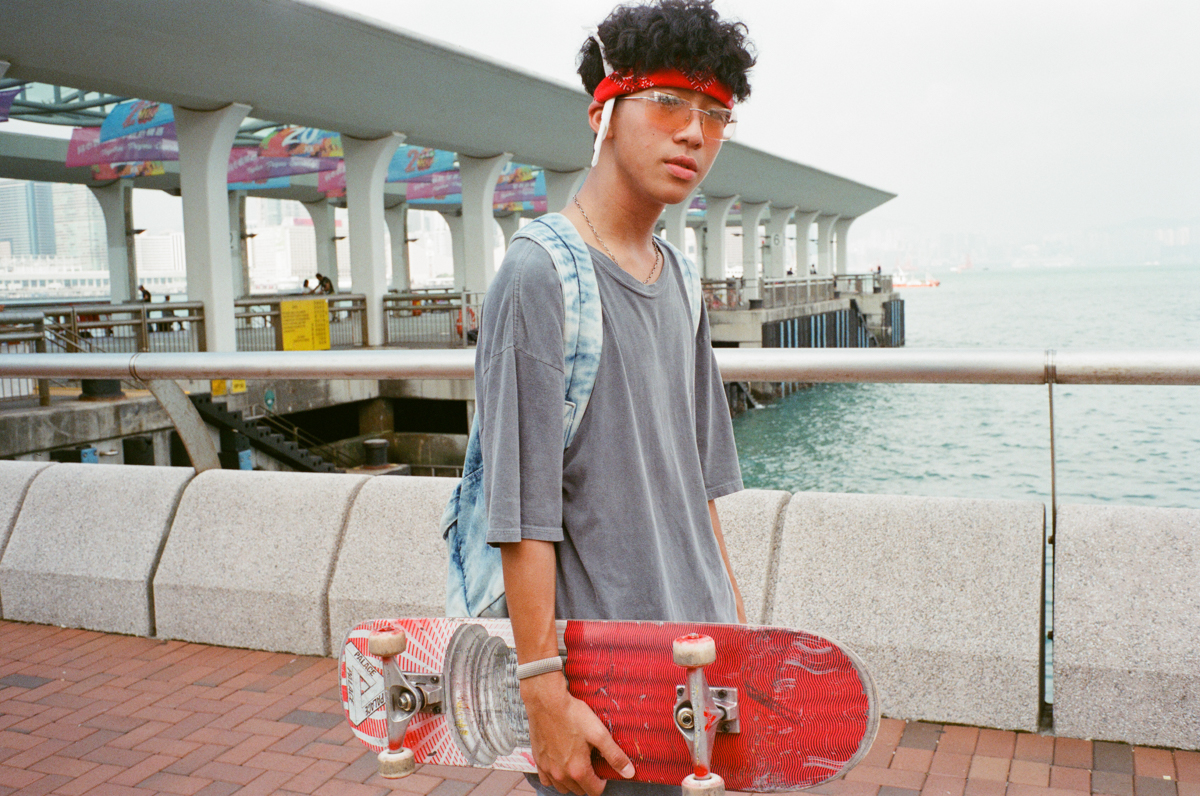 skateboarder-portrait-central-street-snap-outstreet-Photo-walk-hong-kong-hk-hongkong-City-snaps-cities-scanner-film-using-leica-m2-summicron-35mm-f2-iv-pre-asph-analog-shutter-alliance