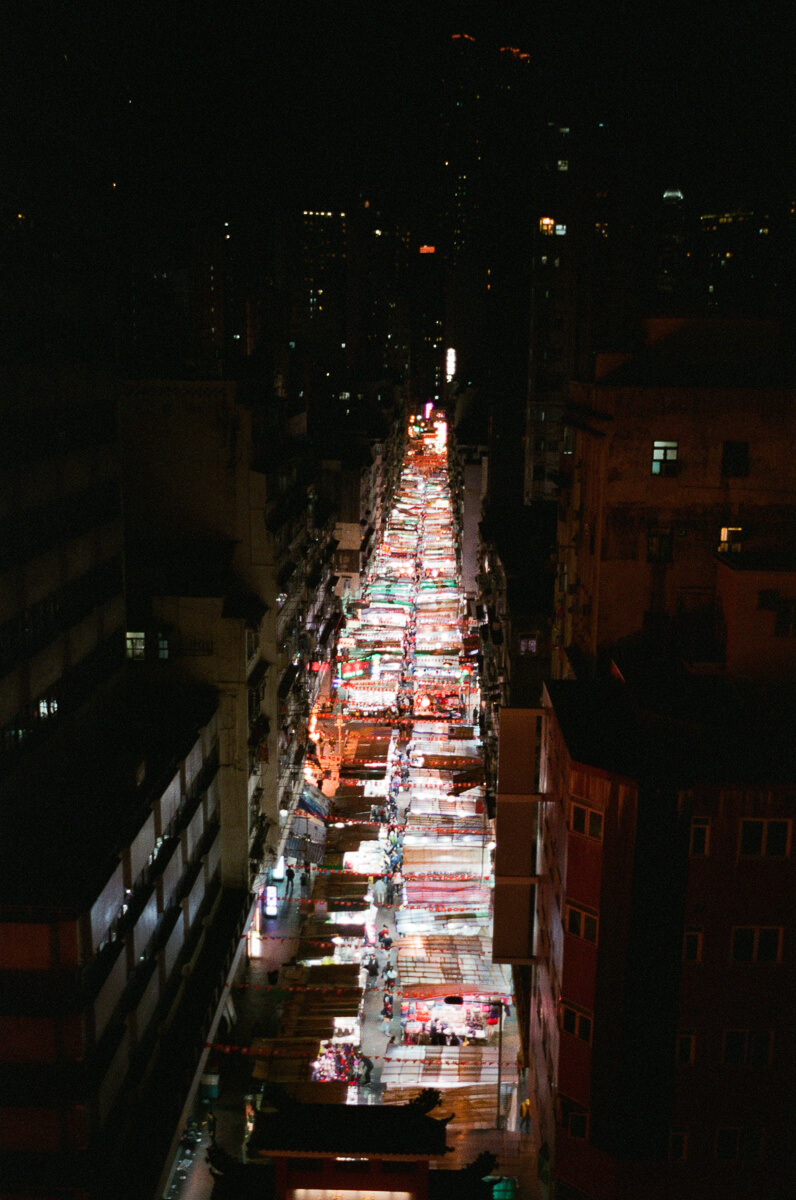 Hong-Kong-Carpark-view-of-temple-street-at-night-during-photowalk-photo-walk-shutteralliance-shutter-alliance-central-fuji-fujifilm-pro400H-negative-film-community-leica-summicron-35mm-f2-v1-lens
