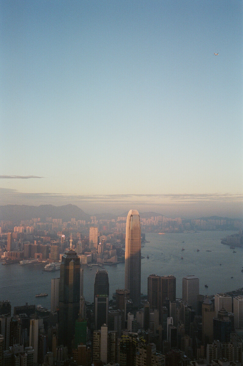 Overlook-top-of-HK-City-peak-hong-kong-photowalk-photo-walk-shutteralliance-shutter-alliance-central-fuji-fujifilm-pro400H-negative-film-community-leica-summicron-35mm-f2-v1-lens-2