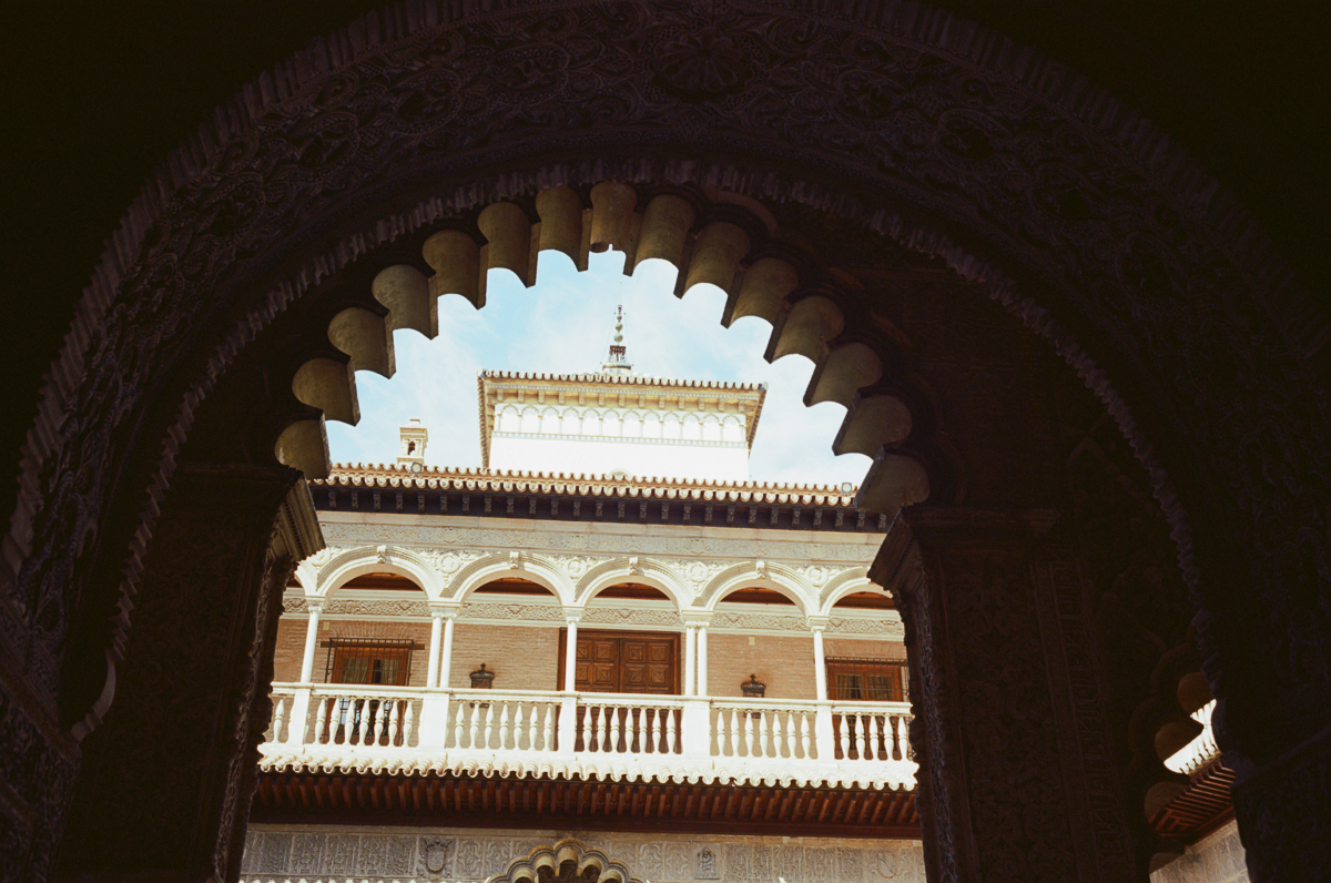 monument-Alcázar-of-Seville-architecture-archit-travel-blog-visit-Sevilla-spain-Kodak-Ektar-100-film-analog-Summicron-35mm-f2-35-v1-8elements-seville