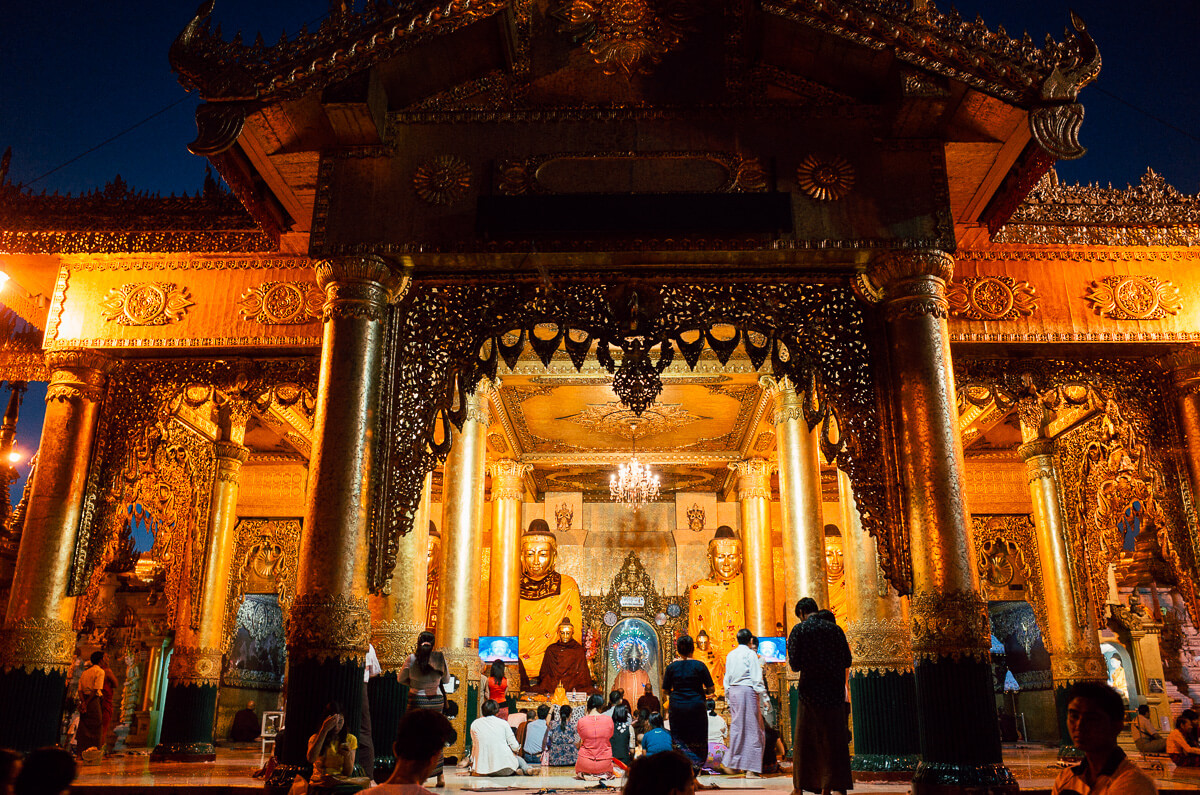 Different-temples-inside-Yangon-famous-attraction-must-go-Myanmar-Burma-Shwedagon-Pagoda-Ricoh-GR-Street-photography-guide-7pm-night