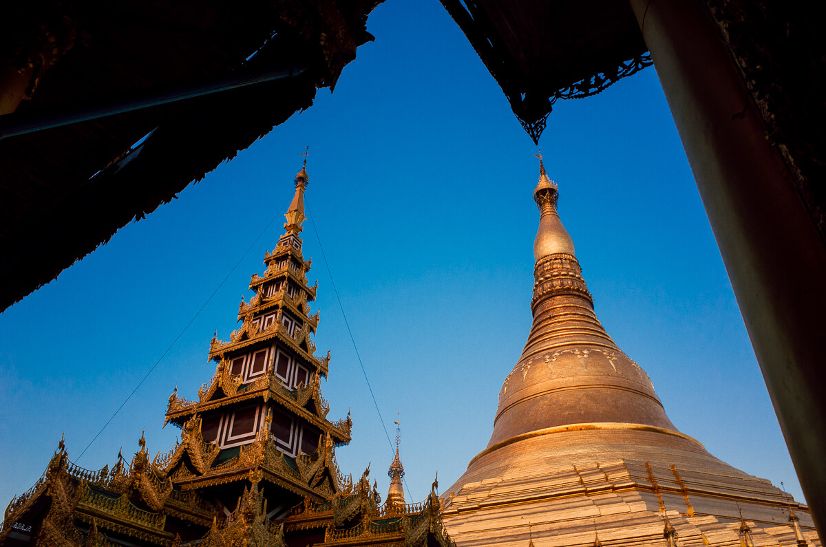 Yangon-famous-attraction-must-go-Myanmar-Burma-Shwedagon-Pagoda-Ricoh-GR-Street-photography-guide-different-perspectives