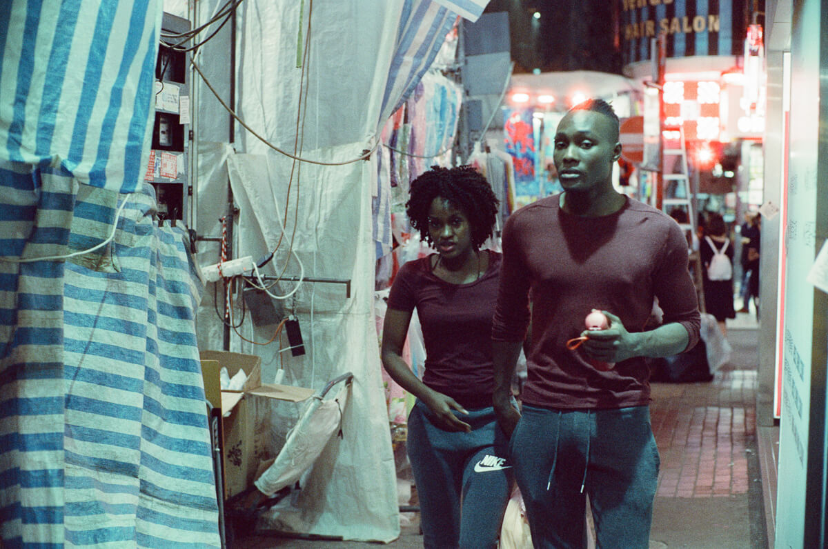 matching-top-cinestill-800T-film-hong-kong-hk-street-photography-guide-Mong-kok-Mongkok-location-suggestions-attractions-local-night-streetshooters-travel-travelling-trip-advisor