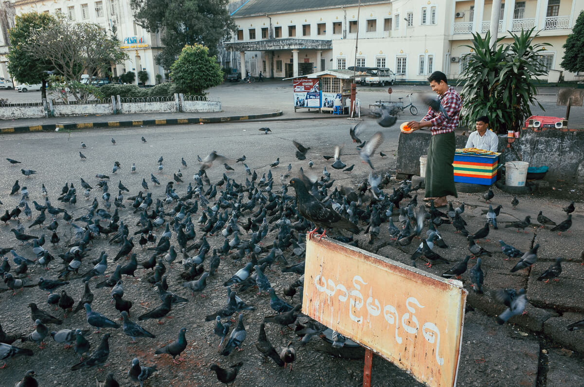 outside-yangon-central-railway-station-pigeons-sunrise-leica-m2-summicron-35mm-f2-v1-myanmar-travelling-tourist-guide-street-photography
