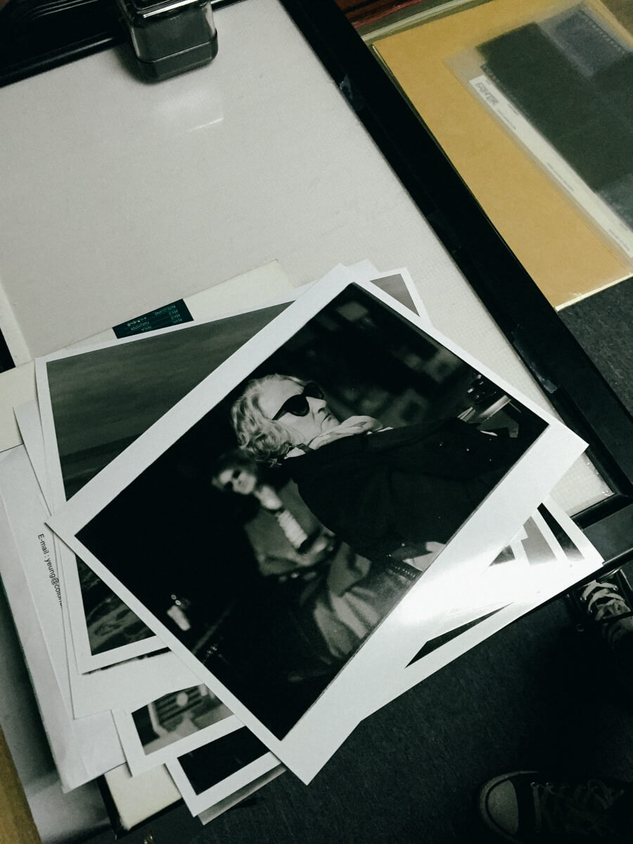 darkroom-print-printing-of-my-work-on-photo-paper-black-and-white-bw-film-process-develop-portraitures