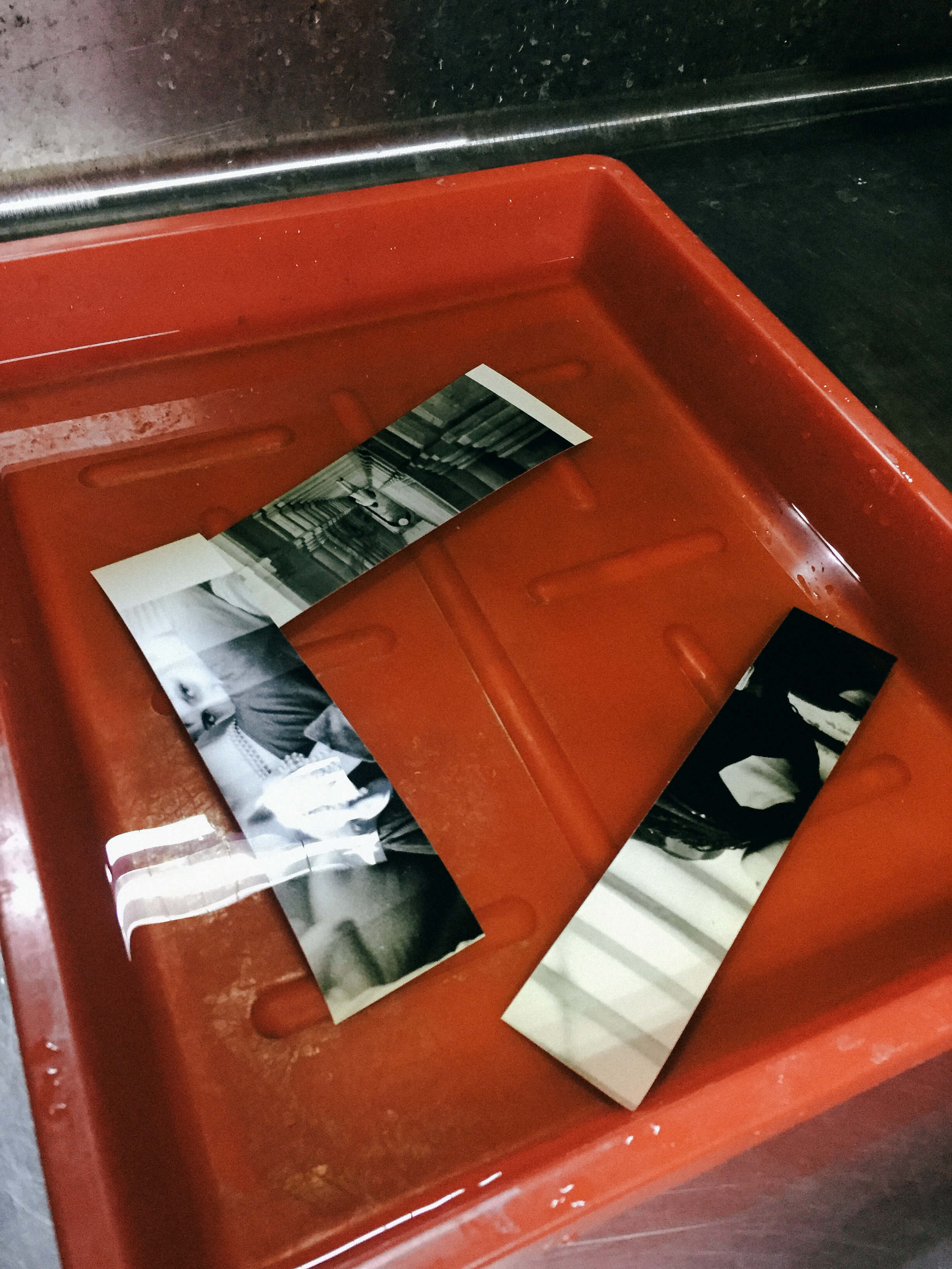 darkroom-print-printing-of-my-work-on-photo-paper-black-and-white-bw-film-process-develop-test-papers-adjust-time