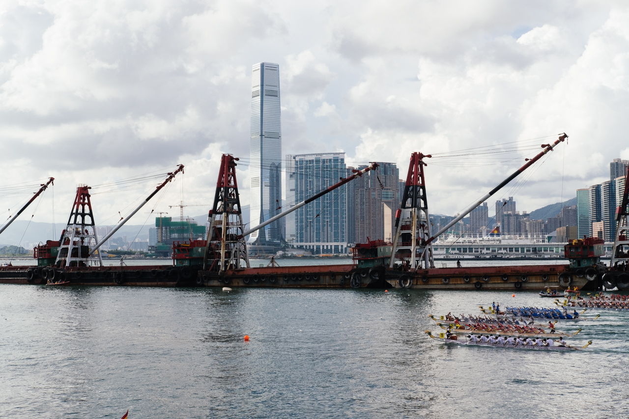 Race-starts-HongKong-Hong-Kong-Dragon-boat-race-festival-June-Fujifilm-Fuji-Xpro2-X-pro2-X-pro-digital-camera-xeries-XF-35mm-f2-WR-lens-HK-Street-snap-composition-paddling-competition