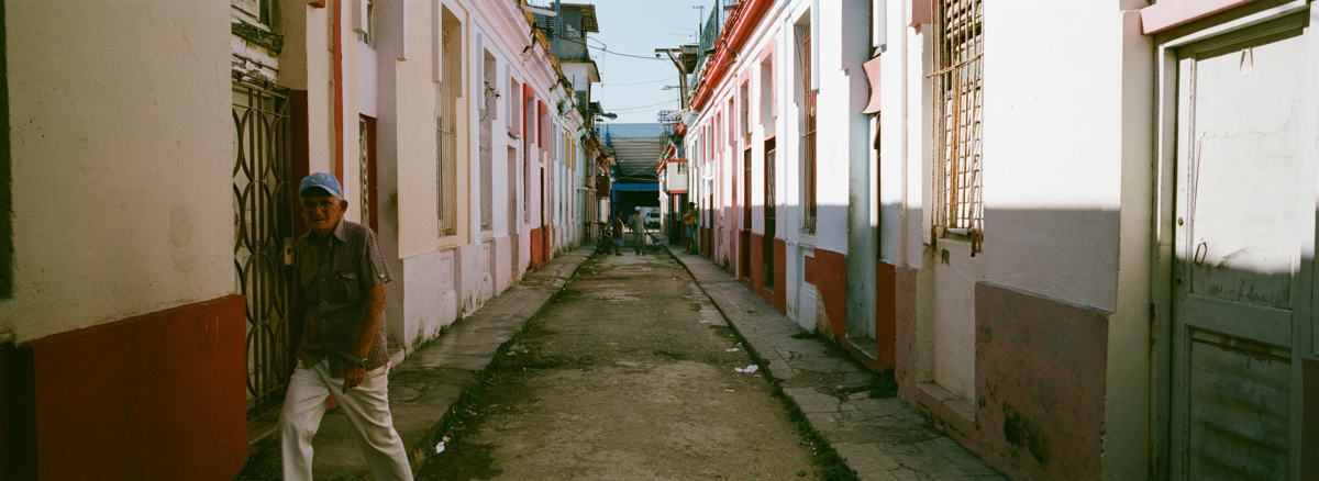 block-and-complex-n-centro-havana-wandering-cuba-taken-with-hasselblad-xpan-II-xpanII-45mm-pano-panoramic-camera-agfa-vista-400