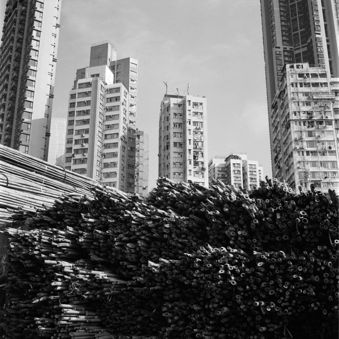 Analog-film-review-kodak-tri-x-trix-400-tahusa-bw-black-white-negative-instagram-pier-hong-kong-hk-rolleiflex-2.8F