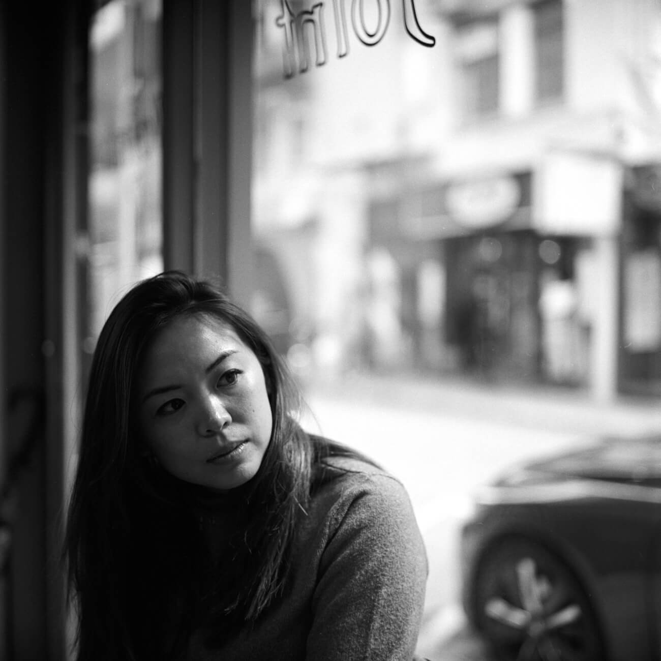 Analog-film-review-kodak-tri-x-trix-400-tahusa-bw-black-white-negative-joint-hong-kong-cafe-rolleiflex-2.8F
