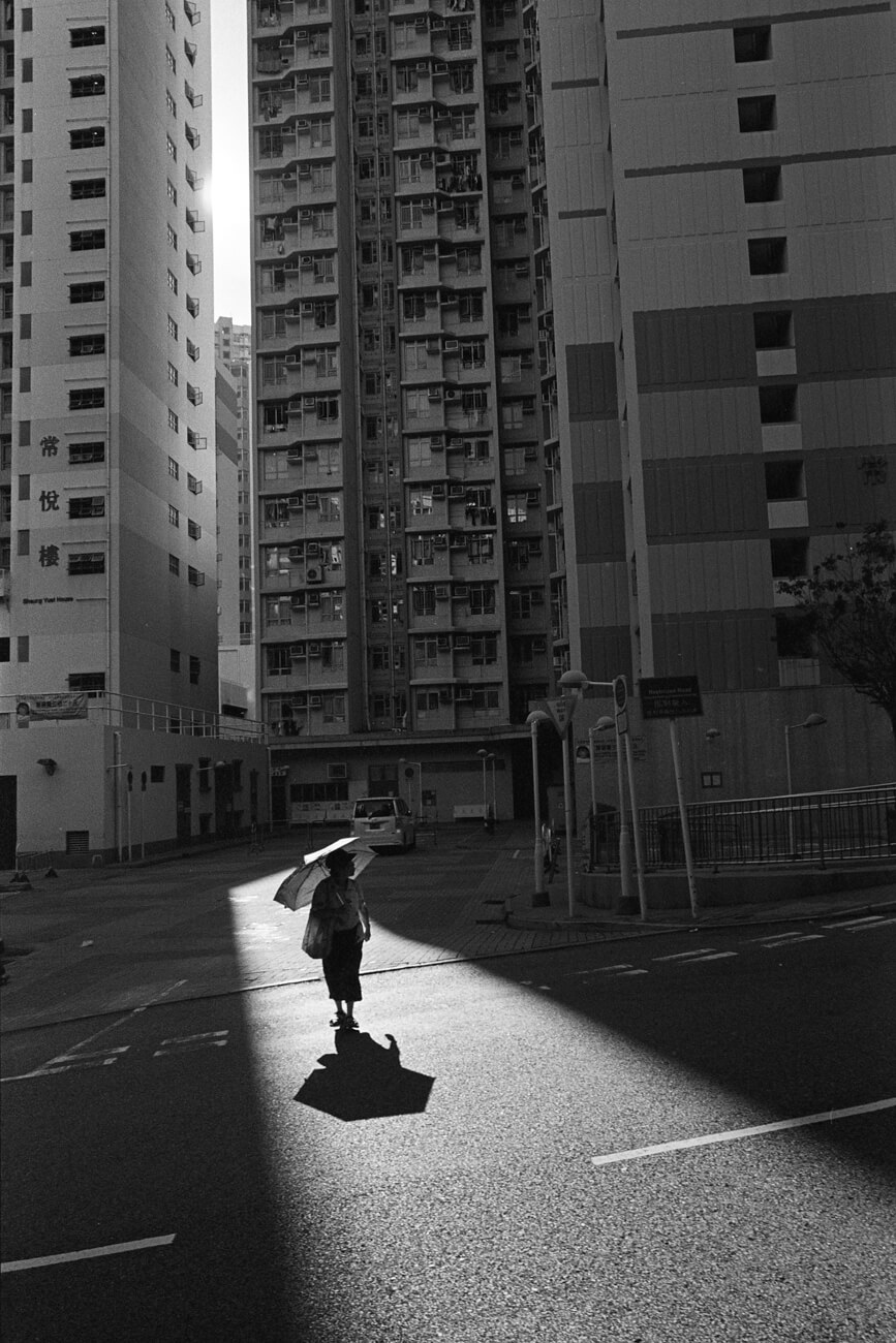 Analog-film-review-kodak-tri-x-trix-400-tahusa-bw-black-white-negative-summicron-28mm-f2-asph-shadow-hong-kong-hk