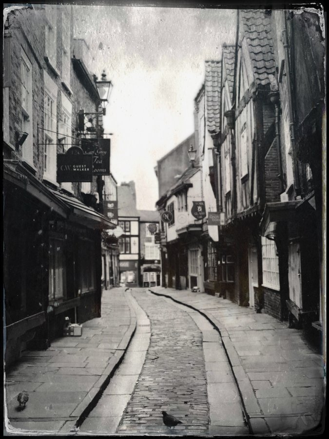 tintype-Hipstamatic-tahusa-diary-iphone-app-camera-large-format-retro-vintage-wetplate-petzval-street-morning-snap-shambles-harry-porter-morning-york-uk-bw-B&W-monochrome