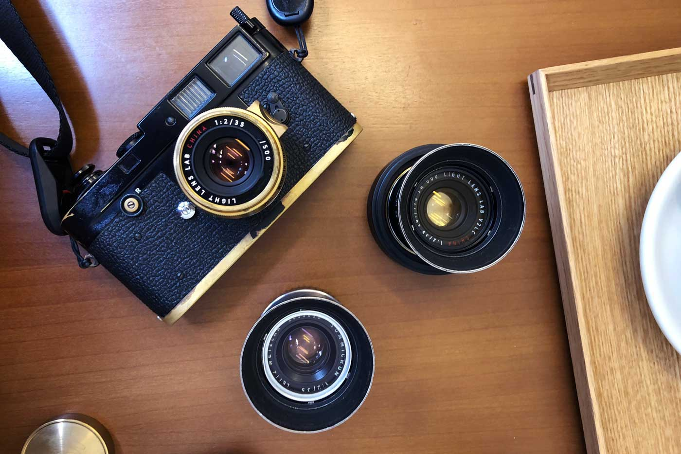 light-lens-lab-35mm-f2-35:2-LLL-Leica-Summicron-2.0-brass-black-paint-m2-brassed-hk-review-lens-lenses-original-8-elements-周八枚coffee-versions-irooa-hood-coating-amber