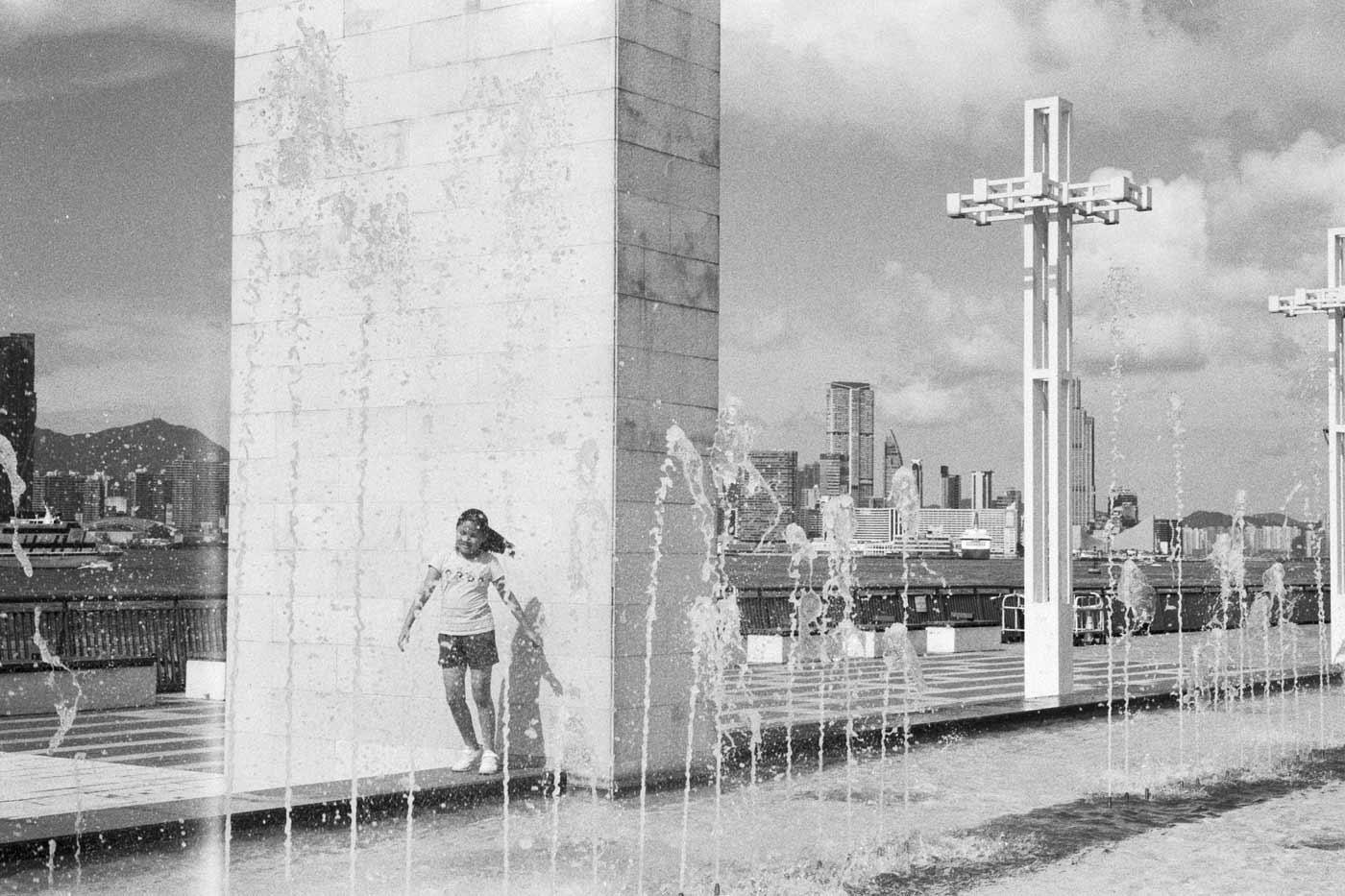 Leica-Summicron-50mm-50-f2-Rigid-Type-2-II-lens-review-HC110-Kentmere-400-self-developed-hong-kong-hk-suen-yat-sun-park