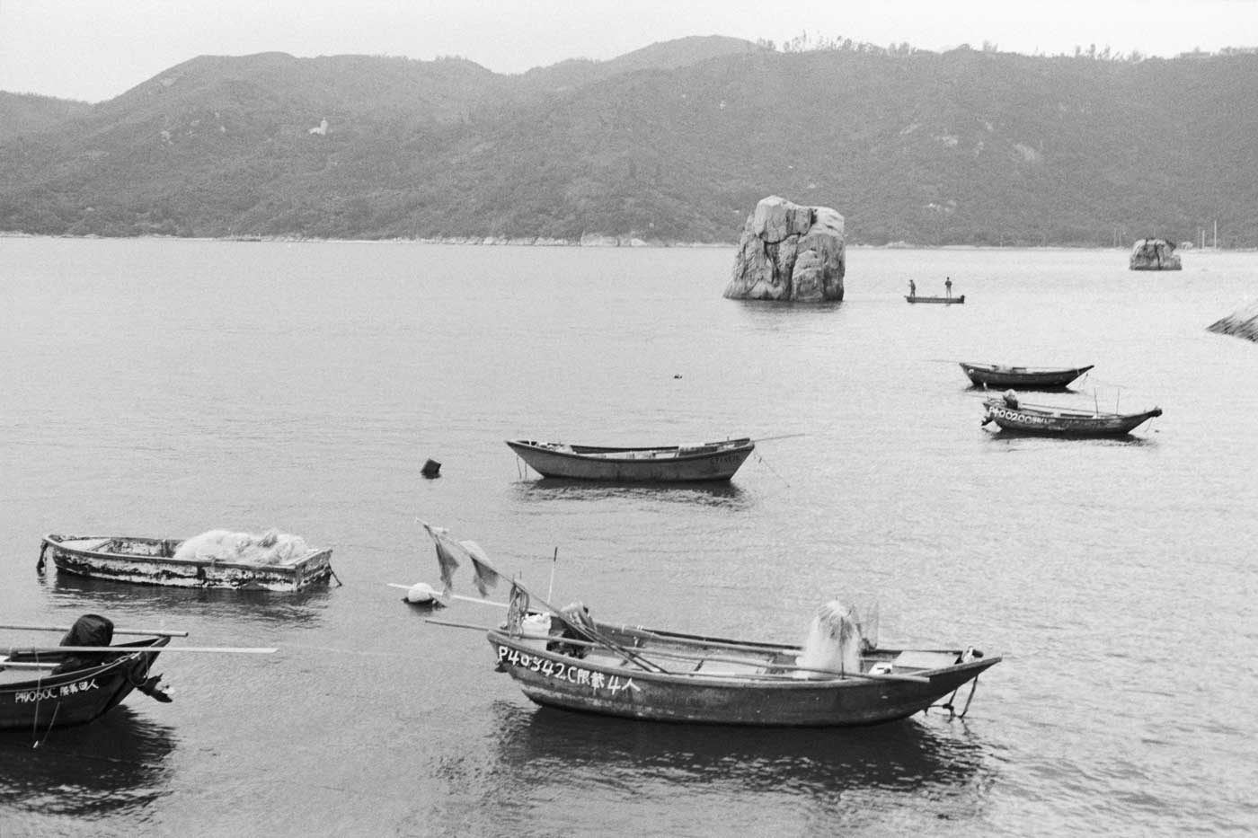 Leica-Summicron-50mm-50-f2-Rigid-Type-2-II-lens-review-double-x-rated-200-iso-kodak-eastman-boats-hk-fishing-pengchau-hong-kong-scene