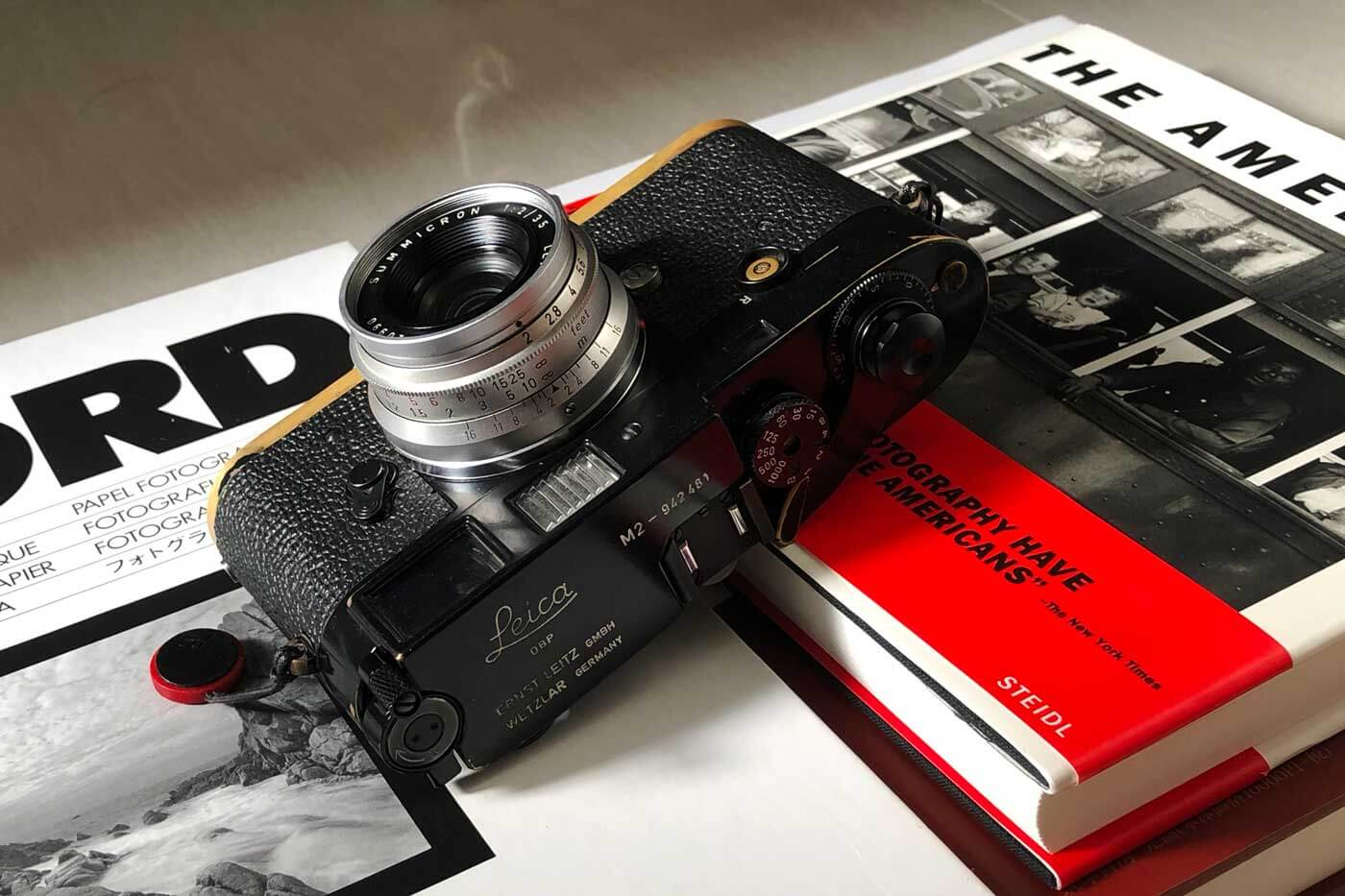 Leica-summicron-35mm-f2-8element-8-element-v1-version1-lens-review-blog-sharing-thoughts-compare-7element-gear-how-performance-design-optics-character-books-m2-black-paint-silver-chrome