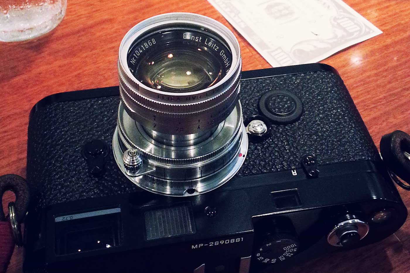 Leica-summicron-50mm-f2-50-f2.0-collapsible-v1-cron-lens-review-screw-bayonet-m-mount-radioactive-lathanum-camera-gears-film-hcb-black-and-white-l39-ltm