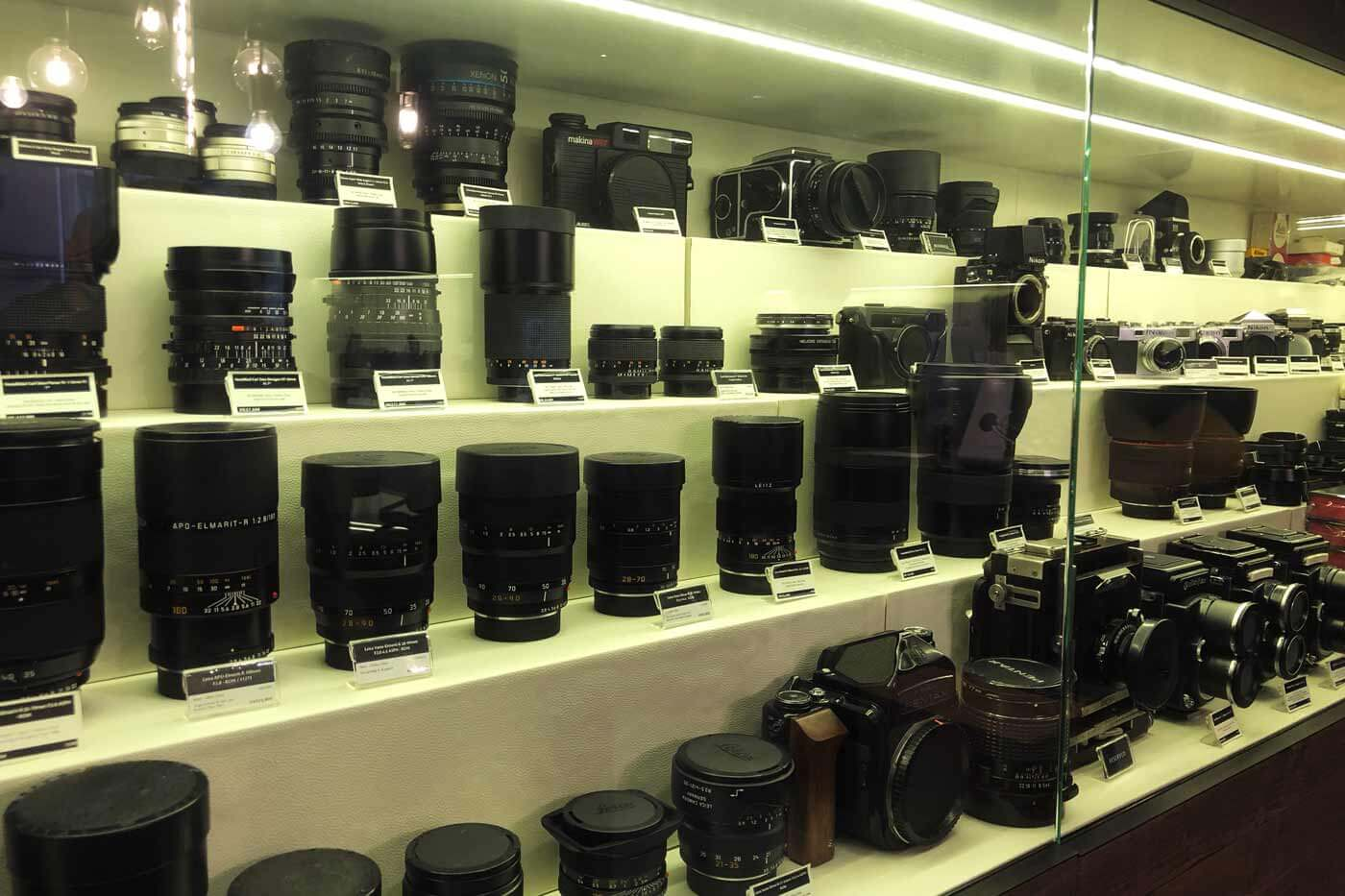Camera-shop-shops-hong-kong-hk-location-guide-tips-purchase-consignment-second-hand-pre-owned-lenses-cameras-fotopia-display-cabinet-leica-specialist-medium-format-line-up