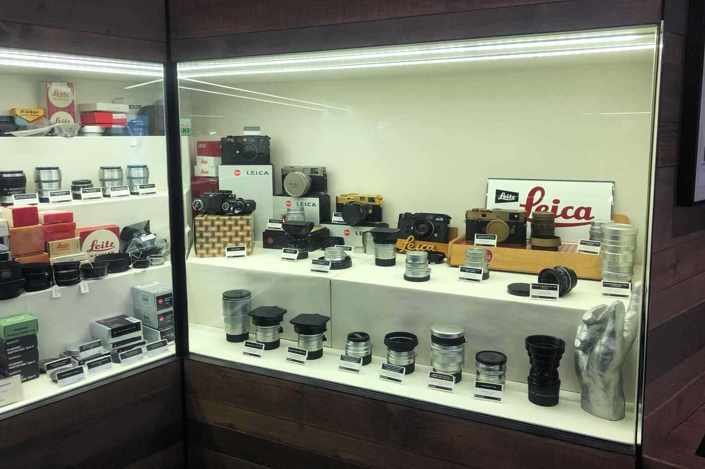 Camera-shop-shops-hong-kong-hk-location-guide-tips-purchase-consignment-second-hand-pre-owned-lenses-cameras-fotopia-display-cabinet-leica-specialist-medium-format-rare-collectibles
