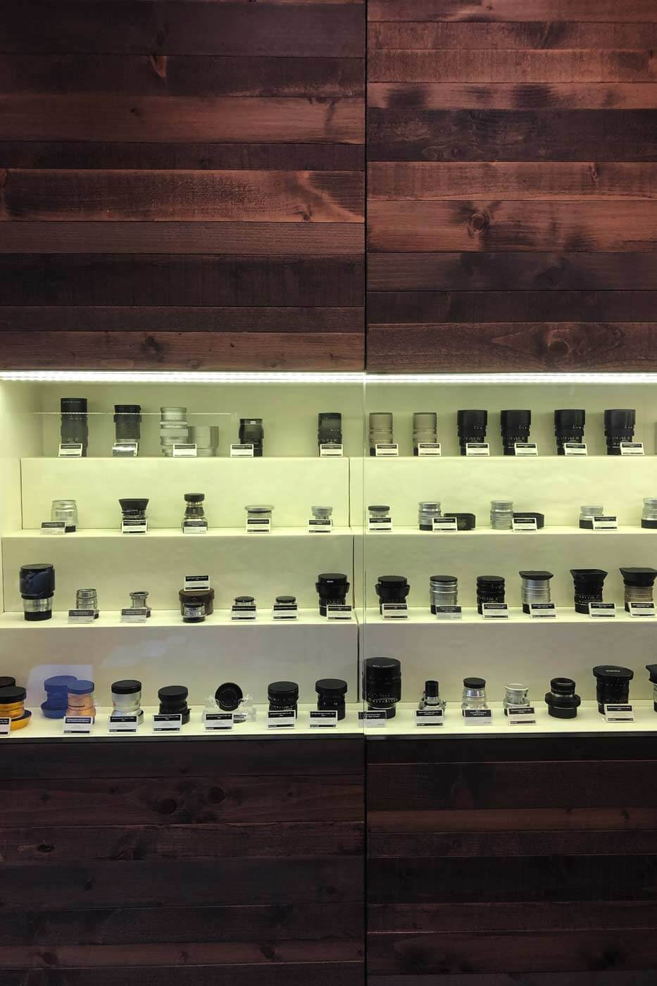 Camera-shop-shops-hong-kong-hk-location-guide-tips-purchase-consignment-second-hand-pre-owned-lenses-cameras-fotopia-display-cabinet-leica-specialist-medium-format