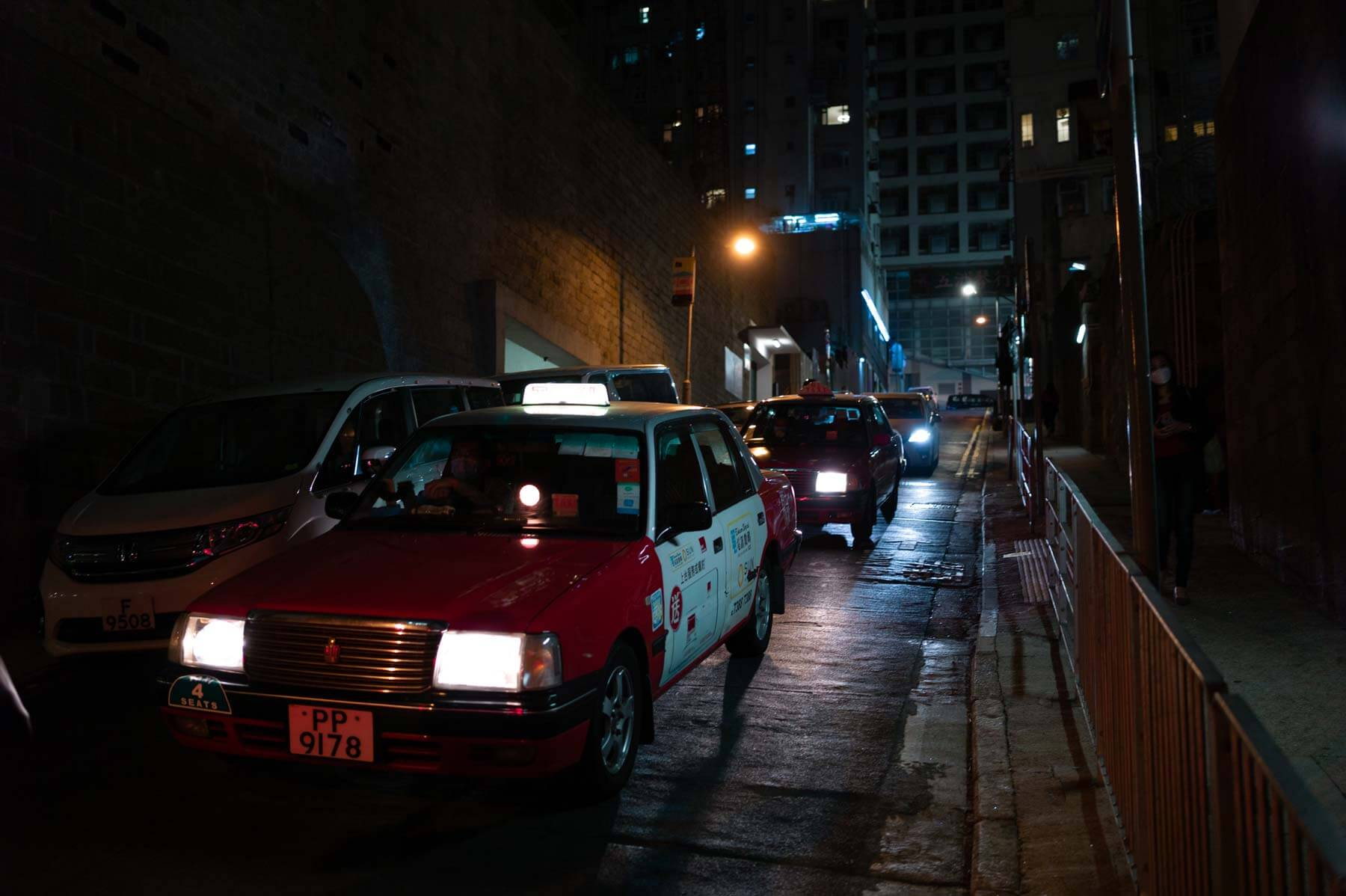 Voigtlander-35mm-f2-APO-lanthar-first-impression-review-lens-lenses-gear-test-new-vm-m-mount-sharpness-flare-free-taxi-central-hong-kong-night-2