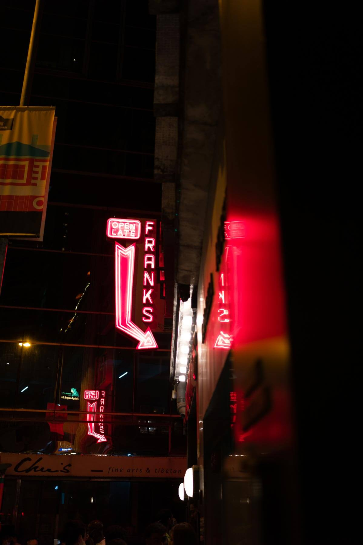 Voigtlander-35mm-f2-APO-lanthar-first-impression-review-lens-lenses-gear-test-new-vm-m-mount-sharpness-great-perfromance-at-night-neon-sign-hong-kong-red