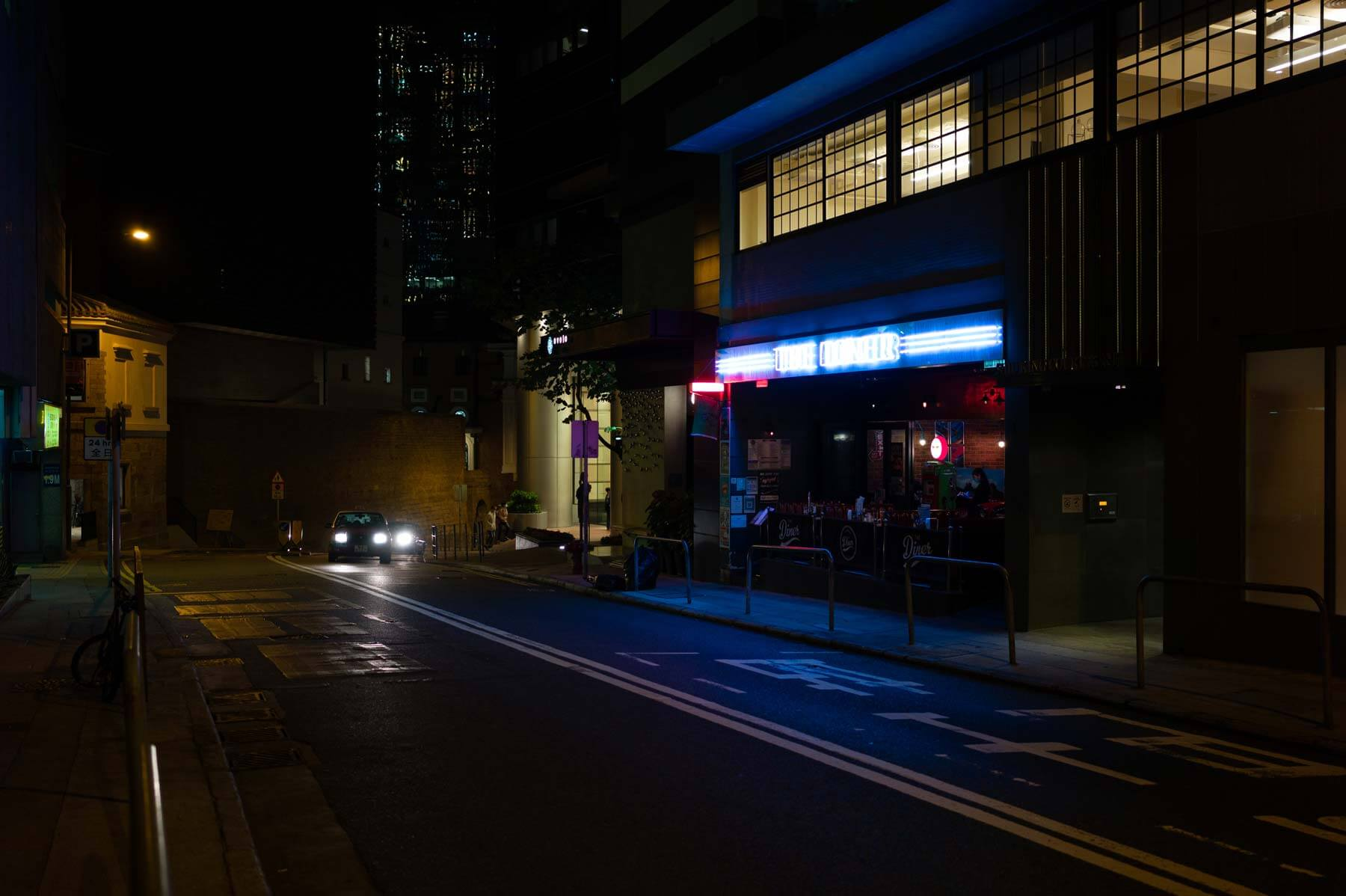 Voigtlander-35mm-f2-APO-lanthar-first-impression-review-lens-lenses-gear-test-new-vm-m-mount-sharpness-great-perfromance-at-night-neon-sign-hong-kong