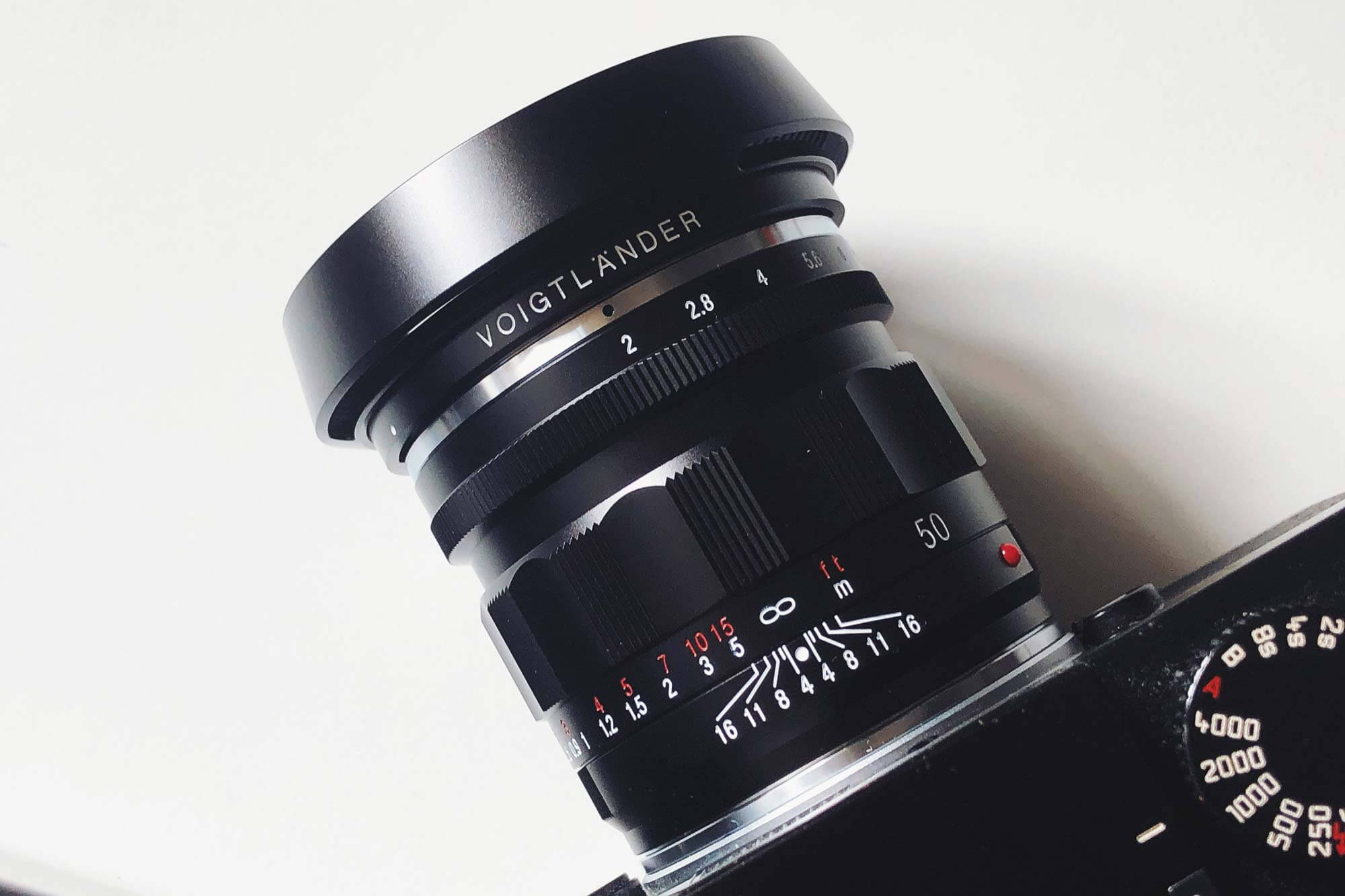 voigtlander-lens-50mm-f2-apo-lanthar-apochromat-lenses-vm-m-mount-50-focal-black-LH-13-hood-M9P-box-new-release-closer-look-first-test-review