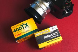 kodak-tri-x-trix-400-vs-versus-compare-eastman-5222-250-doublex-double-x-film-black-and-white-negative-bw-135-performance-character-difference-texture-grain-structure-d76-hc110