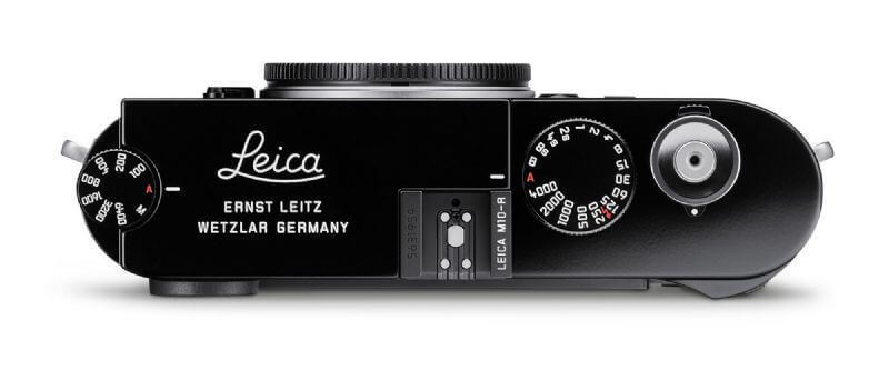 Leica-M10-M10R-R-black-paint-brass-limited-edition-digital-rangefinder-release-product-2021-news-rumor-top-engravement-classic