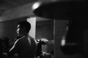 Gik-muay-thai-boxing-hong-kong-match-leica-m9p-canon-50mm-f0.95-0.95-fast-lens-dream-dreamy-portrait-movement-action-competition-indoor-bokeh