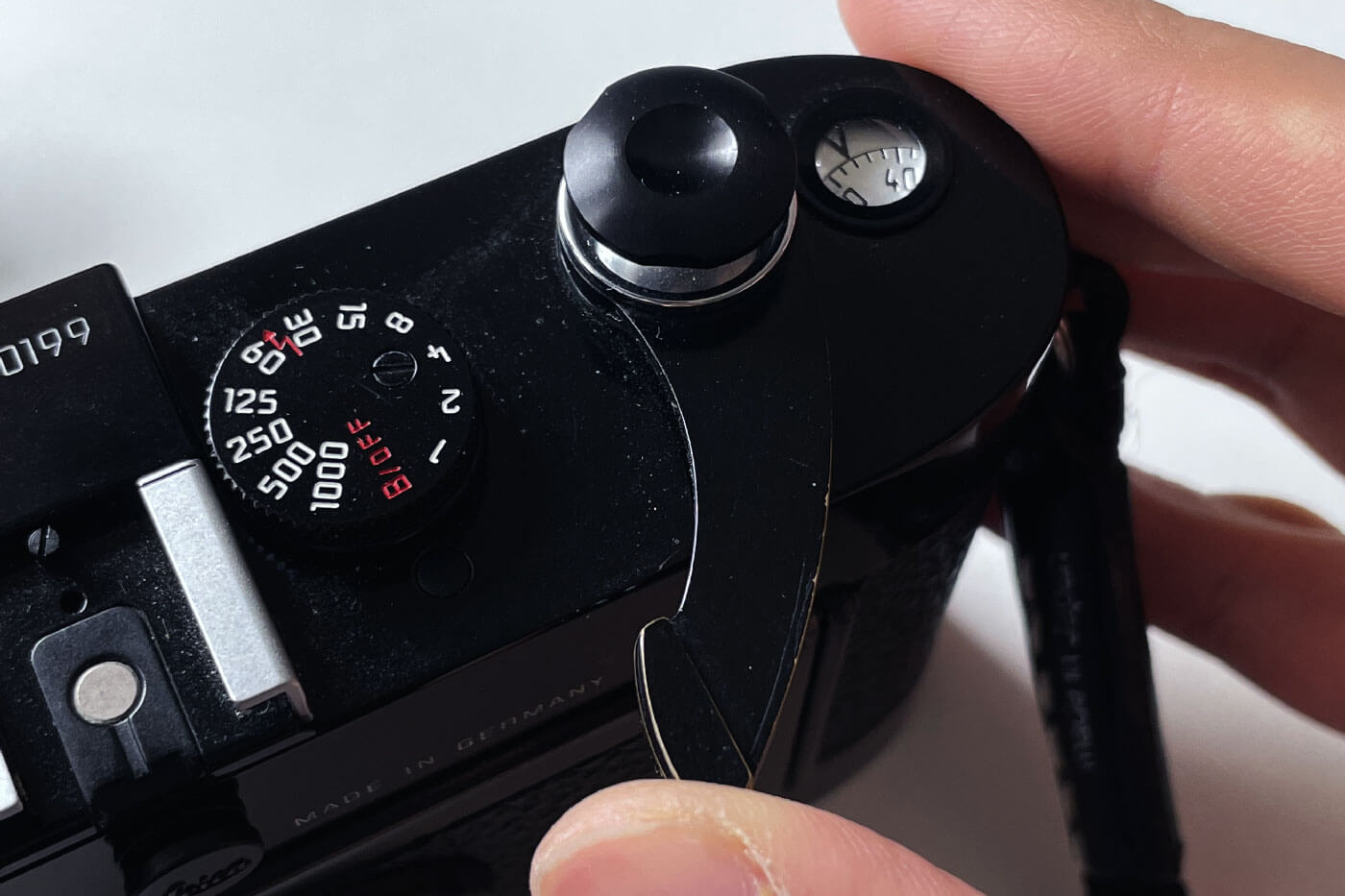 how-to-load-film-into-35mm-film-camera-135-extra-frame-properly-correct-way-best-check-beginner-tips-guide-advancing-advance-lever
