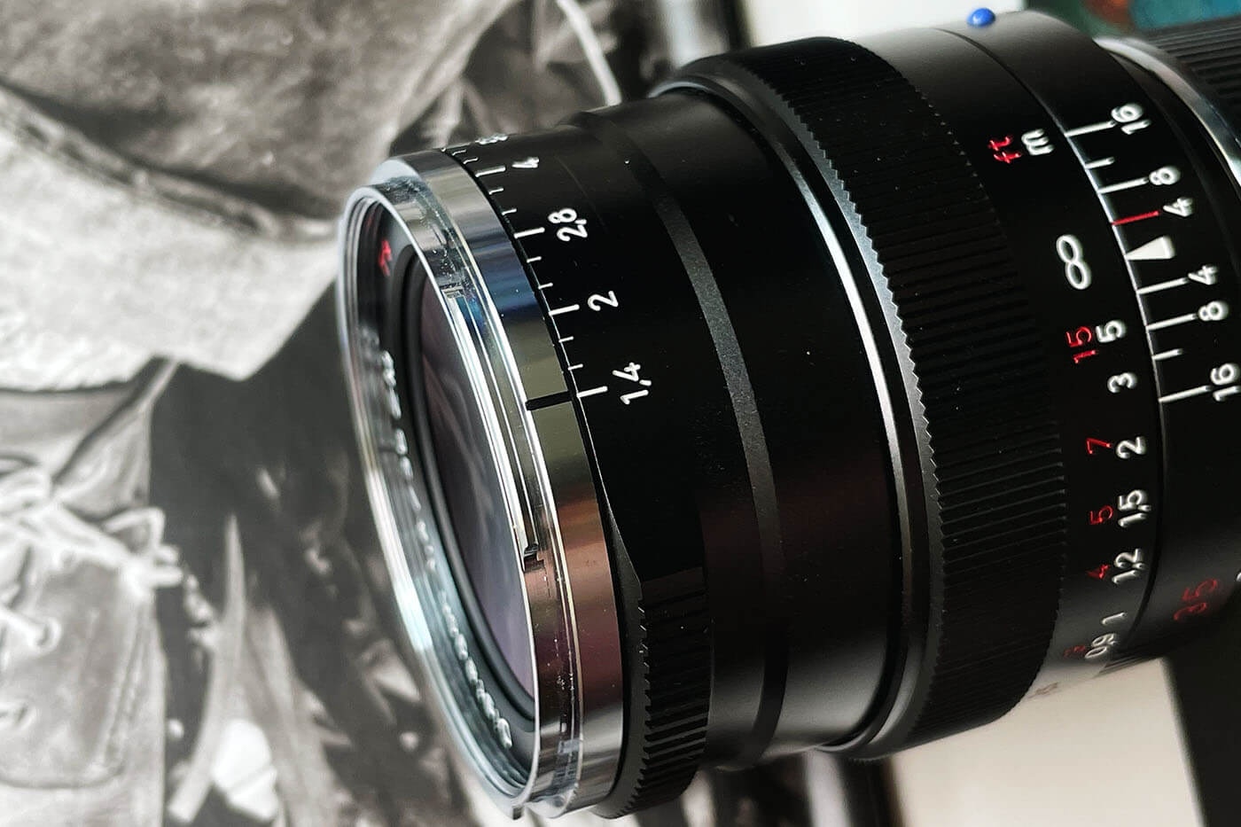 Lens-review-zeiss-distagon-35mm-f1.4-35-1.4-zm-m-mount-leica-wide-angle-street-character-optics-optical-barrel-construct-build-quality-aperture-ring