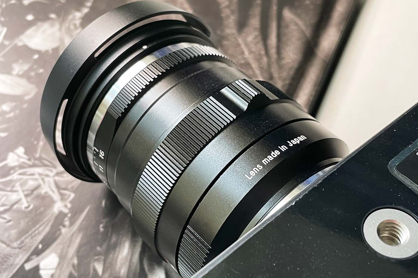 Lens-review-zeiss-distagon-35mm-f1.4-35-1.4-zm-m-mount-leica-wide-angle-street-character-optics-optical-barrel-construct-build-quality-focusing-knob