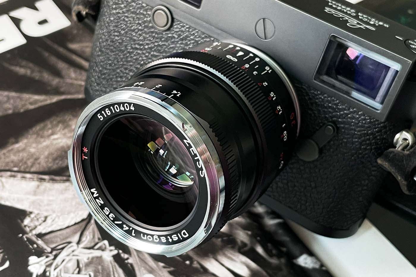 Lens-review-zeiss-distagon-35mm-f1.4-35-1.4-zm-m-mount-leica-wide-angle-street-character-optics-optical-barrel-construct-build-quality-front